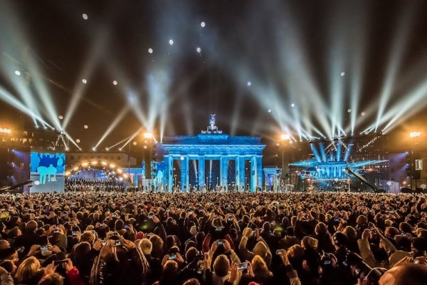 Berlin's Brandenburger Tor on November 9, 2014. © Ralph Larmann