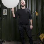 Christopher #3582 with a LED lamp from his project Lichtgrenze © Peter Lorenz
