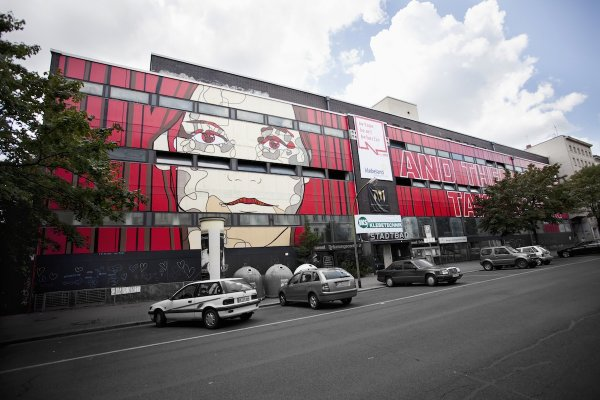 El Bocho used 15,000 meters of tape on Stadtbad Wedding in 2009. Photo: Courtesy of the artist