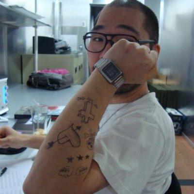 Famous tatoo artist visits PLATOON.Kunsthalle