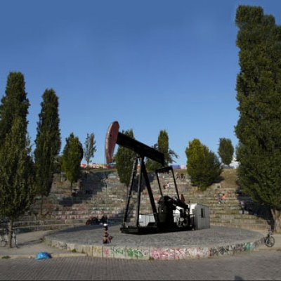DRILLING FOR OIL IN MAUERPARK!